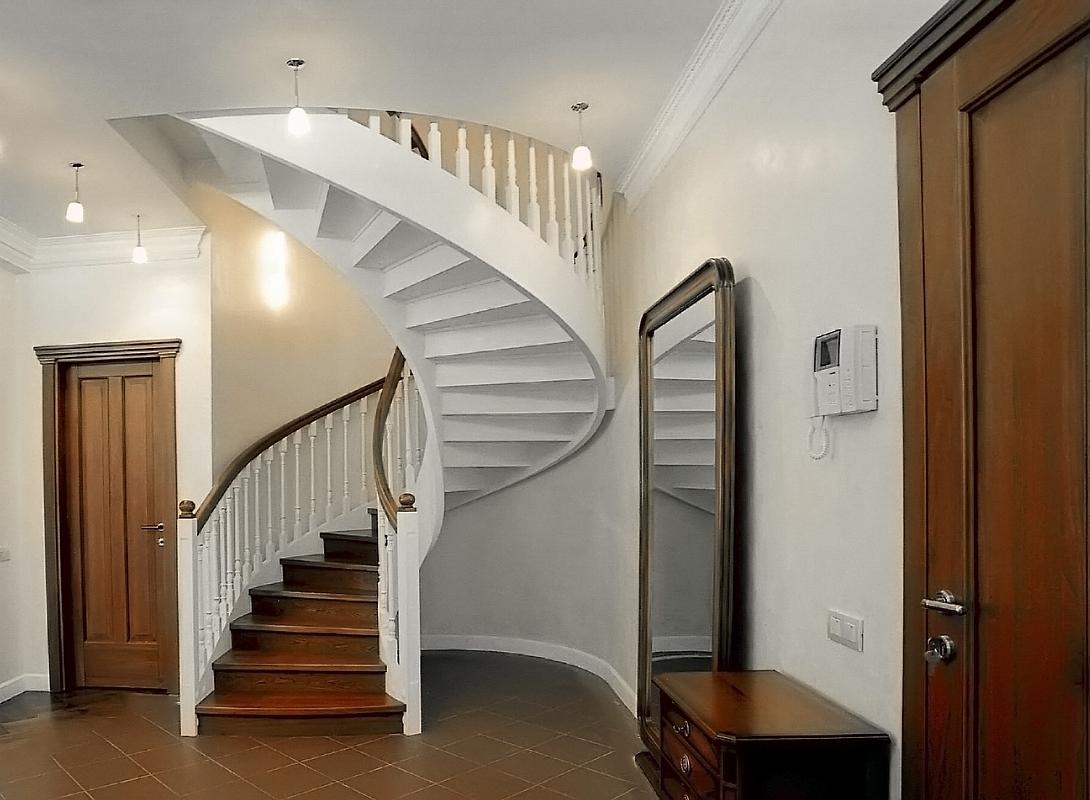 классическая винтовая лестница