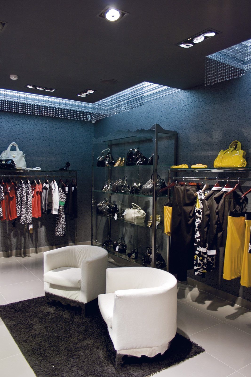 Для магазина женской одежды с доставкой